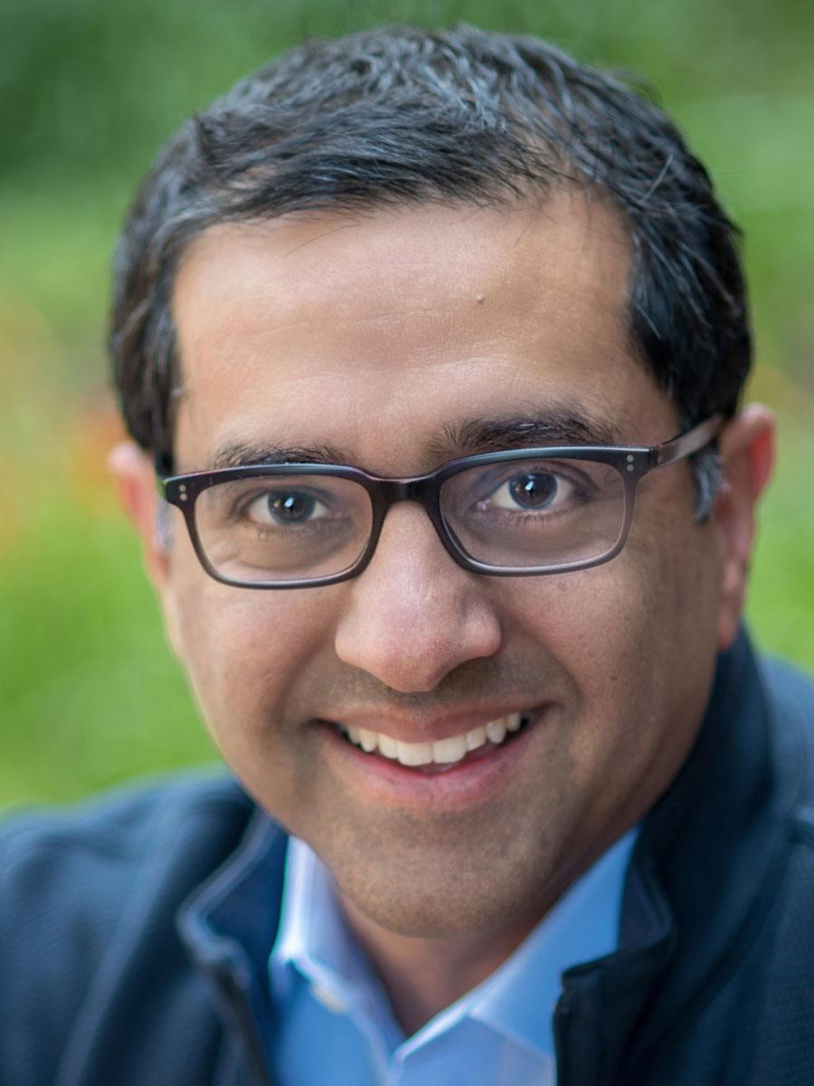 Zahid Rahimtoola headshot